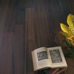 1||, Eleganta culorilor închise. Podele din lemn. - CLICK AICI PENTRU DETALII